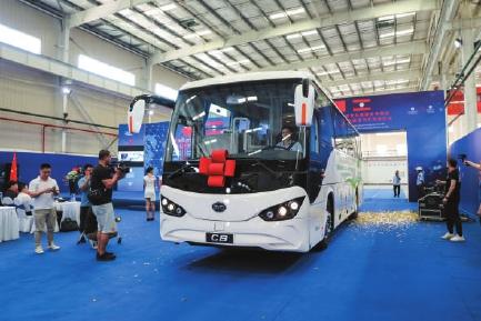 28辆由长沙比亚迪工厂生产的新能源汽车将奔赴老挝